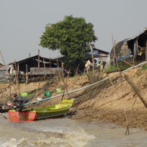 Sur les rives du Tonlé Sap
