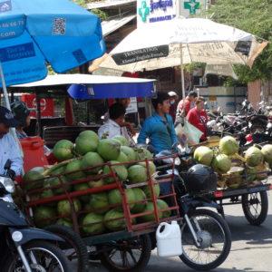 La circulation dans les rues de Phnom Penh