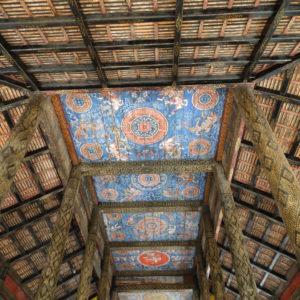 Monastère dans les environs de Kompong Cham entièrement édifié en bois