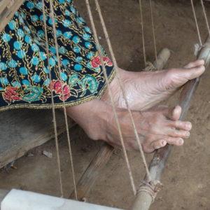 Le travail des tisserandes de Kompong Cham (les gestes du métier)