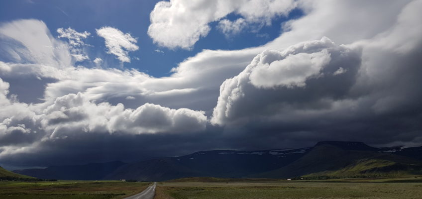 Route 47 au sud de Hvalfjordur en allant vers Botnsa